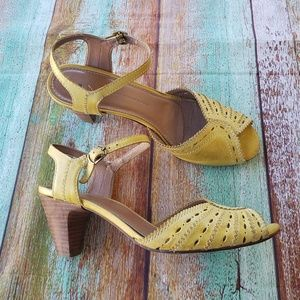 Schuler and Sons Yellow Leather Peep Toe Heels 7